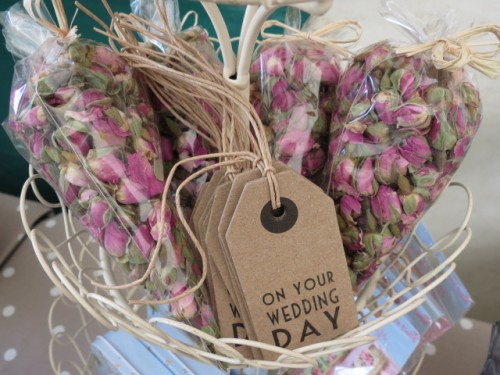 Dried rosebuds for weddings