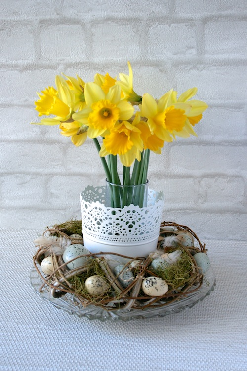 easter wreath table