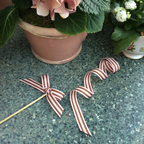 ribbon flag