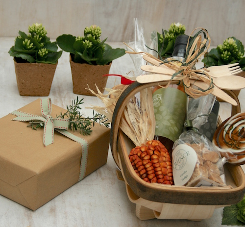 Hamper gift wrapping