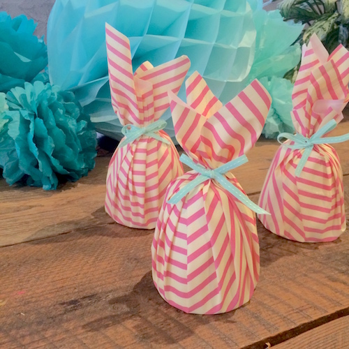 paper tablecloth gift wrapping