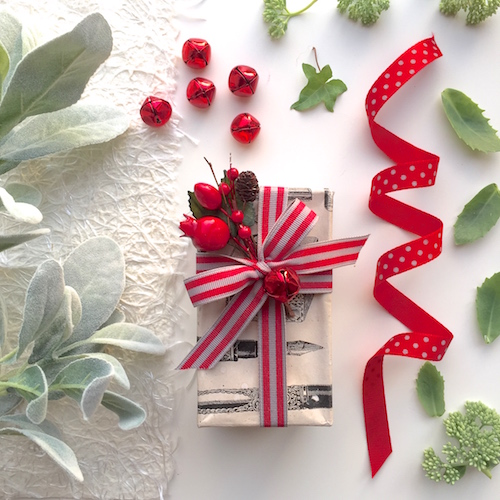 gift wrapping embellishments