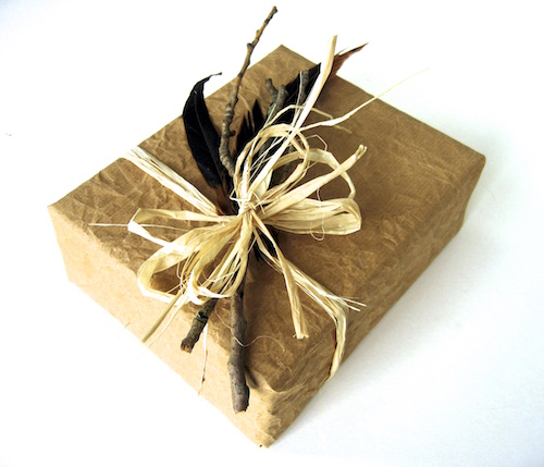 feather eco gift wrapping