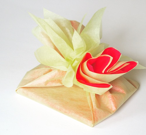 International gift wrapping ideas to suit all cultures for Japanese wrapping